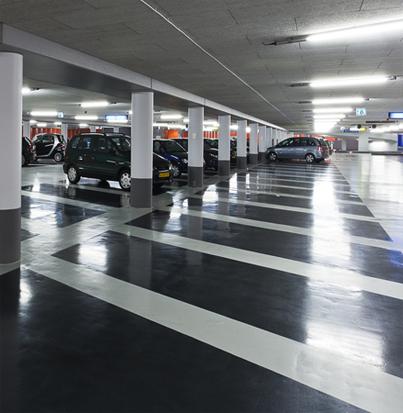 Betonnen vloer parkeer